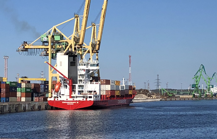 containerschiff 6